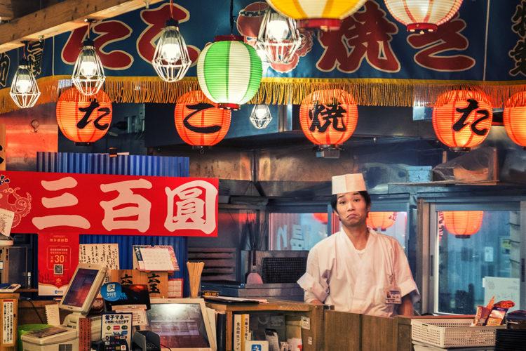 Giovane maestro di sushi_Young sushi master
